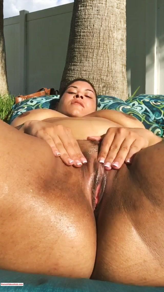 Watch Free Porno Online – ManyVids presents Sena Rati in Hot Naked Neighbor $6.99 (Premium user request) (MP4, UltraHD/2K, 1080×1920)