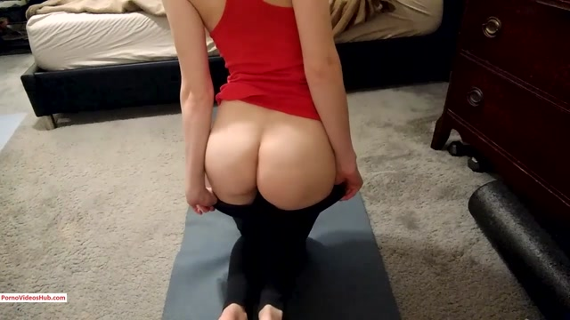 ManyVids_presents_charlottehazey_in_Yoga_teacher_POV_foot_and_ass_worship__14.99__Premium_user_request_.mp4.00003.jpg