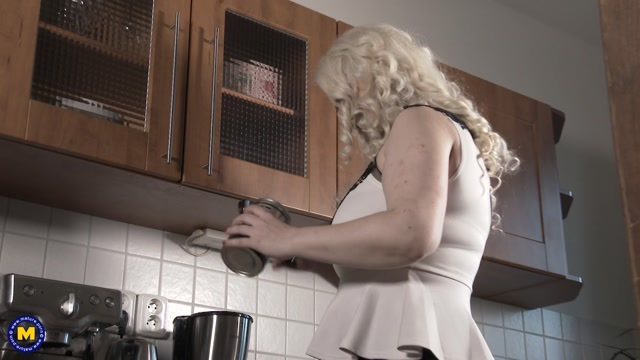 Mature.nl_presents_Alexa_Bold__33_.mp4.00001.jpg