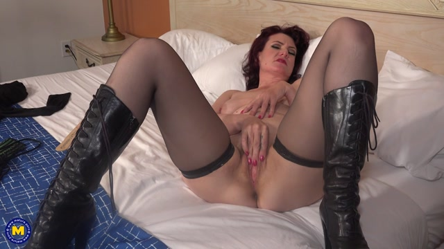 Mature.nl_presents_Zoe__48_.mp4.00010.jpg