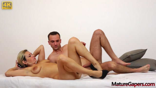MatureGapers_presents_Jenny_Smith_in_Sweet_MILF_Jenny_hardcore_pussy_gaping_and_fucking.mp4.00013.jpg