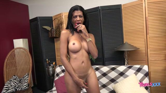 Watch Online Porn – TGirls.xxx presents Naomi is Back! – 09.08.2019 (MP4, HD, 1280×720)