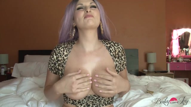 TS-BaileyJay_presents_Bailey_Jay_in_Mommy_Wants_to_See_Your_Cock___24.08.2019.mp4.00004.jpg