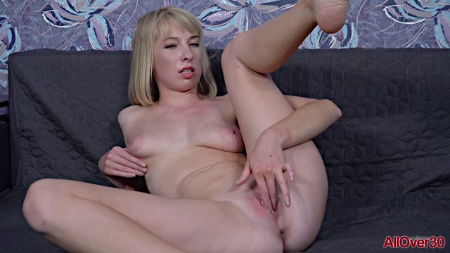 Watch Online Porn – Allover30 presents Lida 31 years old Mature Pleasure – 16.09.2019 (MP4, FullHD, 1920×1080)