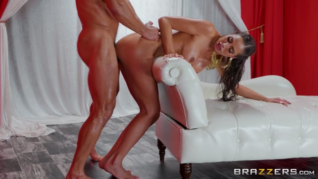 Watch Online Porn – Brazzers – BabyGotBoobs presents Desiree Dulce in Worship Me – 17.09.2019 (MP4, FullHD, 1920×1080)