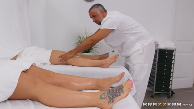 Watch Online Porn – Brazzers – DirtyMasseur presents Julie Cash Behind The Curtain – 16.09.2019 (MP4, FullHD, 1920×1080)