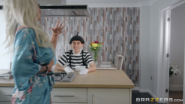 Brazzers_-_MilfsLikeItBig_presents_Brooklyn_Blue_in_Pantomime_Pounding___13.09.2019.mp4.00000.jpg