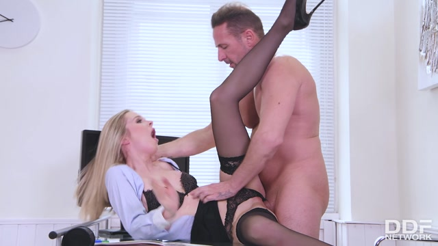 Watch Online Porn – DDFNetwork – EuroTeenErotica presents Rose aka Rose Delight – Blonde Babe Seduces Teacher – 02.09.2019 (MP4, FullHD, 1920×1080)