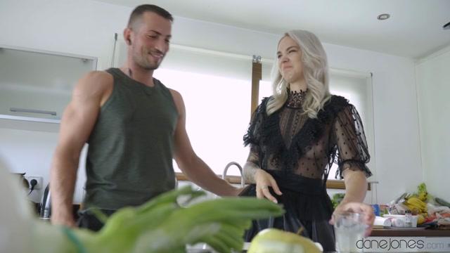 Watch Online Porn – DaneJones presents Arteya in Super hot Russian fucks her trainer – 27.09.2019 (MP4, FullHD, 1920×1080)