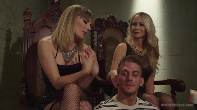 Watch Online Porn – DivineBitches presents Simone Sonay, Mona Wales and Alexander Gustavo – Stepmother And Daughter Dominating Duo (MP4, SD, 960×540)