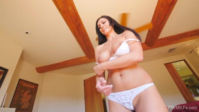 Watch Online Porn – FTVMilfs presents Becky in Tall Fit & Hot – Adventurous Beauty 3 – 17.09.2019 (MP4, UltraHD/4K, 3840×2160)
