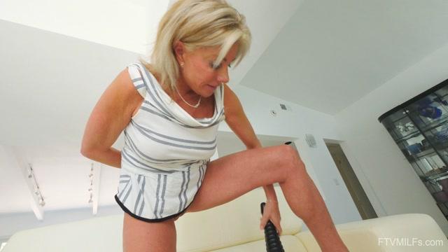 Watch Online Porn – FTVMilfs presents Payton in Sexy Mature Blonde – Housewife Hotness 3 – 24.09.2019 (MP4, UltraHD/4K, 3840×2160)