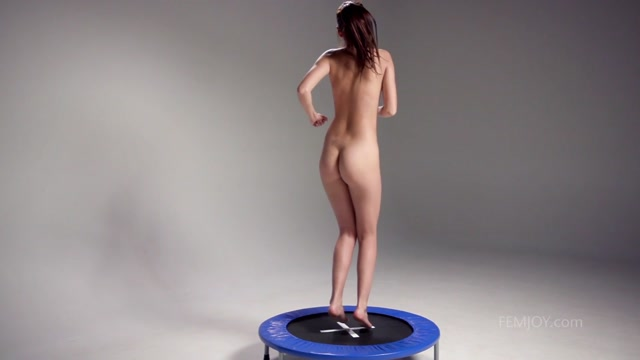 Watch Free Porno Online – FemJoy 2017-12-30 Alisa I – Bouncing (MP4, FullHD, 1920×1080)