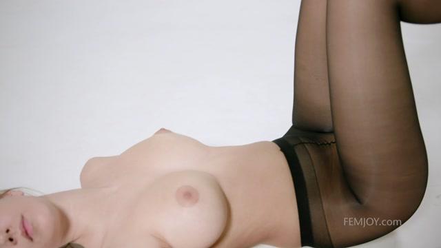 Watch Online Porn – FemJoy 2018-06-23 Alisa I – Pantyhose (MP4, FullHD, 1920×1080)