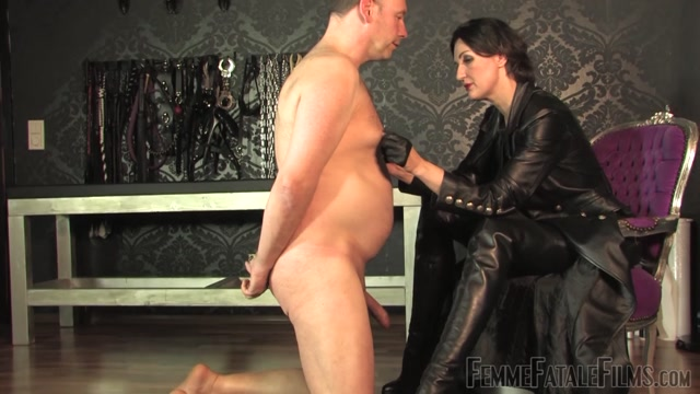 Watch Online Porn – Femme Fatale Films – Leather Licking Loser – Complete Film – Lady Victoria Valente (MP4, FullHD, 1920×1080)