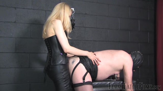 Watch Online Porn – Femme Fatale Films – Mistress Eleise de Lacy – Leather Slave – Complete (MP4, FullHD, 1920×1080)