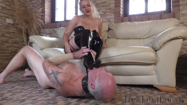 Watch Online Porn – Femme Fatale Films – Mistress Fox – My Smoke In Your Face Complete Film (MP4, FullHD, 1920×1080)