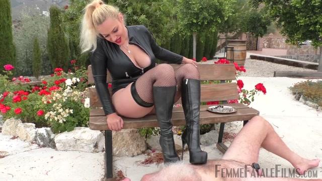 Watch Online Porn – Femme Fatale Films – Stiletto Boot Prints – Super HD – Complete Film. Starring Mistress Fox (MP4, FullHD, 1920×1080)