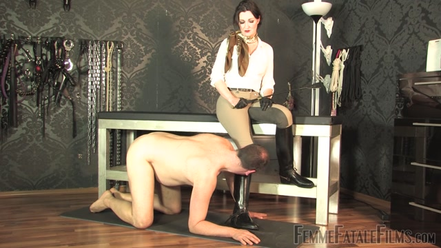 Watch Online Porn – Femme Fatale Films – Trample Mat Slave – Part 1 – Lady Victoria Valente (MP4, FullHD, 1920×1080)