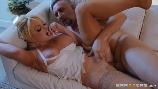 Watch Online Porn – Fixing For a Fuck 2 – Jesse Jane (MP4, SD, 854×480)