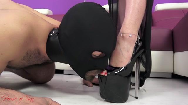 Watch Online Porn – House of Sinn – Miss Sarah – Foot worship extravaganza (MP4, HD, 1280×720)