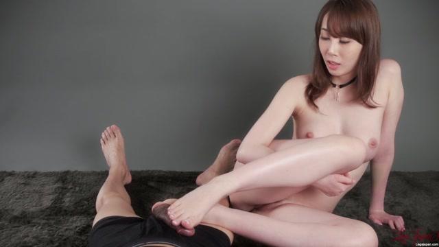 Watch Online Porn – LegsJapan presents Nude Footjob – Aya Kisaki (MP4, FullHD, 1920×1080)