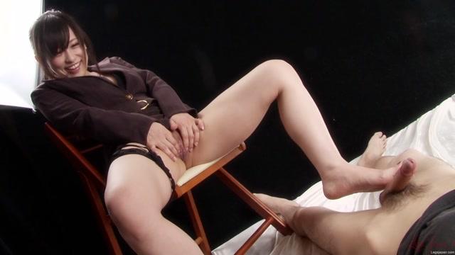 Watch Online Porn – LegsJapan presents Yui Kyouno – Office Girl Footjob (MP4, FullHD, 1920×1080)
