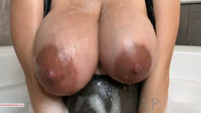Watch Free Porno Online – ManyVids presents MissAlexaPearl in Pregnant MILF Plays In Bubble Bath – $19.99 (Premium user request) (MP4, HD, 1280×720)
