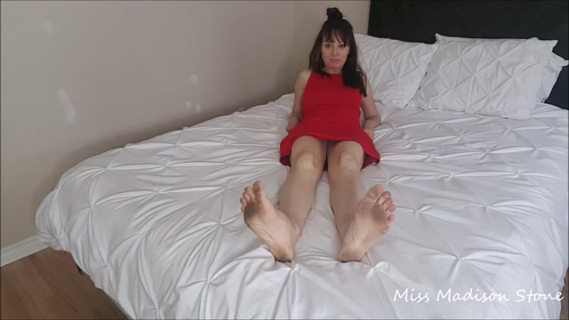 Watch Online Porn – ManyVids presents Miss Madison Stone – filthy feet treat lick them (MP4, FullHD, 1920×1080)