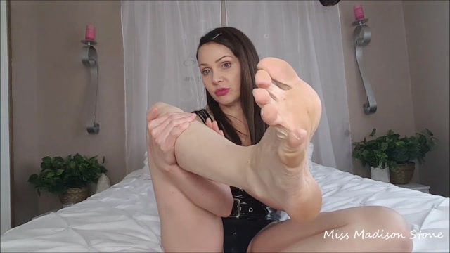 Watch Online Porn – ManyVids presents Miss Madison Stone – long toes worship amp toe jam delight (MP4, FullHD, 1920×1080)