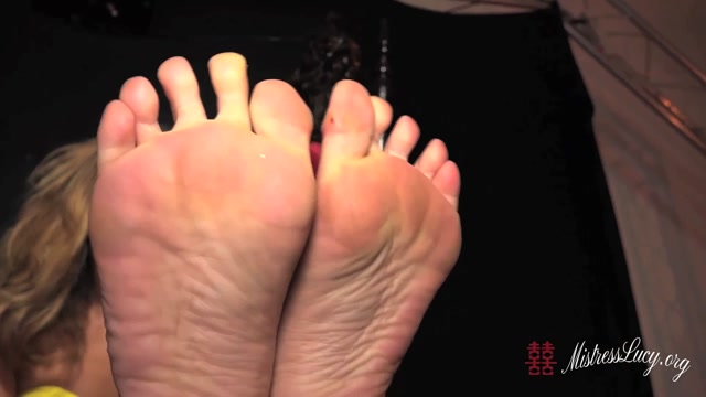 Watch Online Porn – ManyVids presents Mistress Lucy Khan – Strappy stiletto and bare foot worship (MP4, HD, 1280×720)