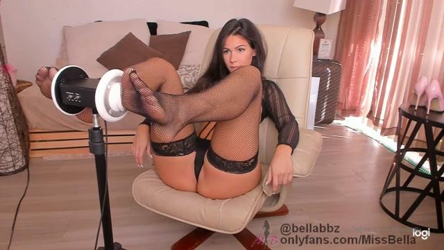 Manyvids_presents_BellaBrookz___Sexy_Massage_ASMR_in_Black.mp4.00012.jpg