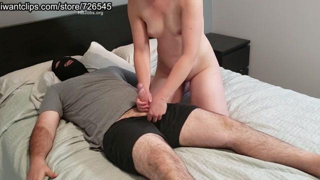 Watch Online Porn – Mistress Phantom – No Mercy ballbusting Handjob (MP4, FullHD, 1920×1080)
