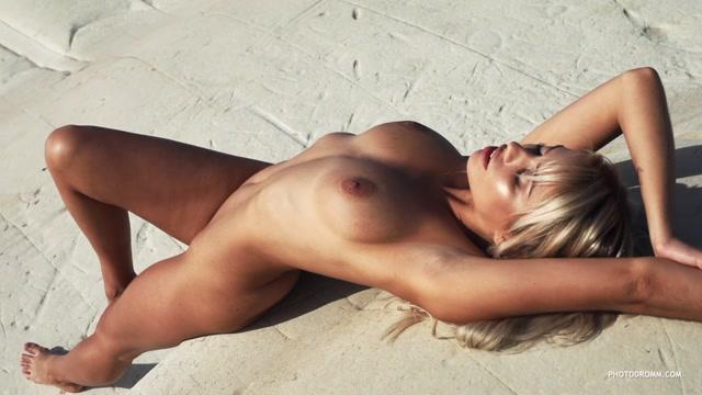Watch Online Porn – Photodromm presents – 2019.01.11 – Margot – Lustro di Luna 3 (MP4, HD, 1280×720)
