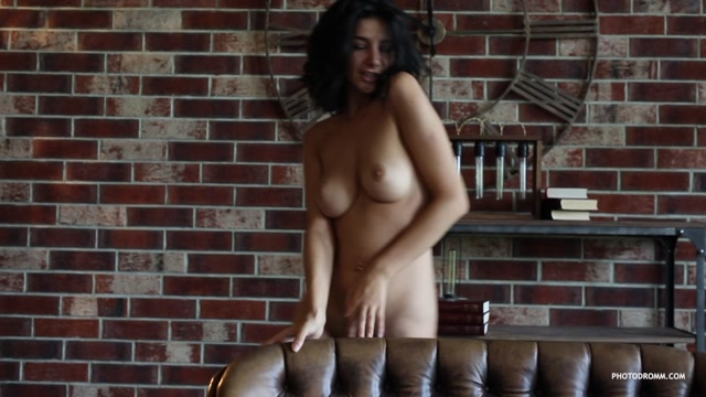 Watch Online Porn – Photodromm presents – 2019.03.03 – Nadine – The Loft 3 (MP4, HD, 1280×720)