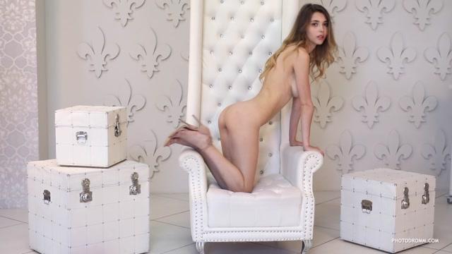 Watch Online Porn – Photodromm presents 2018-11-29 Mila – Fashion Week 2 (MP4, HD, 1280×720)