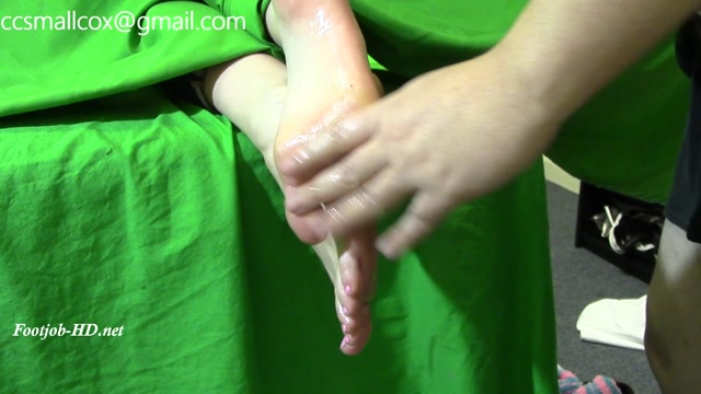 Watch Online Porn – Rich Girl Gets Second Helping of Sticky Soles – STICKY SOLES (MP4, FullHD, 1920×1080)