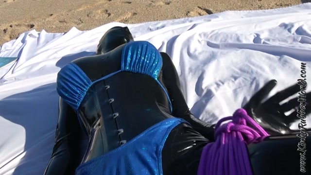 Rubber_Jeff_using_the_blind_Fuckdoll_on_the_Beach_P1.mp4.00002.jpg