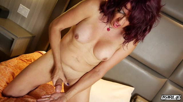 Watch Online Porn – TGirl40 presents Calidora Loves To Cum – 06.09.2019 (MP4, HD, 1280×720)