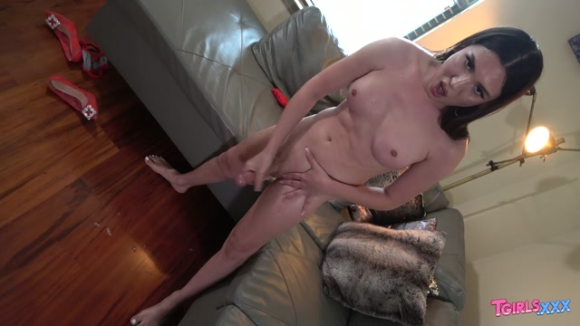 Watch Online Porn – TGirls.xxx presents Lacey Cums! – 23.09.2019 (MP4, HD, 1280×720)