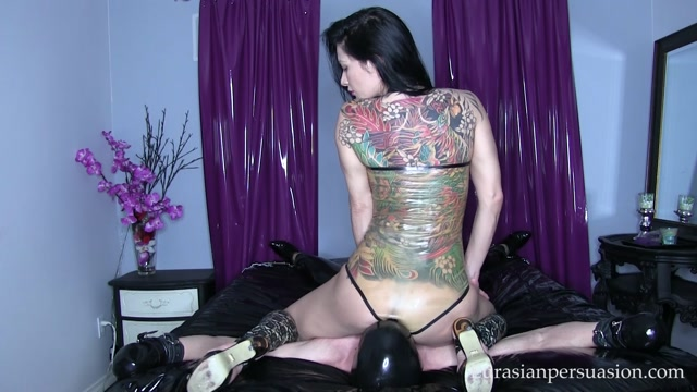 Watch Online Porn – Vancouver Kinky Dominatrix – Latex Bondage and Smother (MP4, FullHD, 1920×1080)