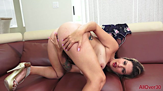 Watch Online Porn – Allover30 presents Brandon Areana 34 years old Mature Pleasure – 24.10.2019 (MP4, FullHD, 1920×1080)