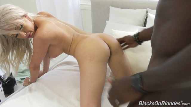 Watch Online Porn – BlacksOnBlondes presents Christina Shine – And Big Black Cock – 15.10.2019 (MP4, HD, 1280×720)
