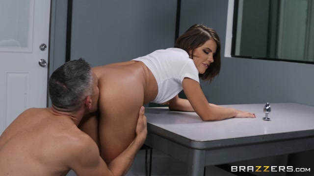 Watch Online Porn – Brazzers – BrazzersExxtra presents Adriana Chechik in Prime Suspect Pounding – 09.10.2019 (MP4, FullHD, 1920×1080)