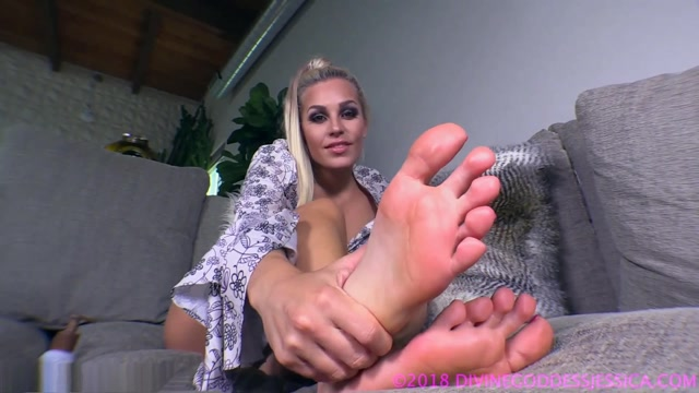 Watch Online Porn – Divine Goddess Jessica – My Feet Are Your Favorite (MP4, FullHD, 1920×1080)