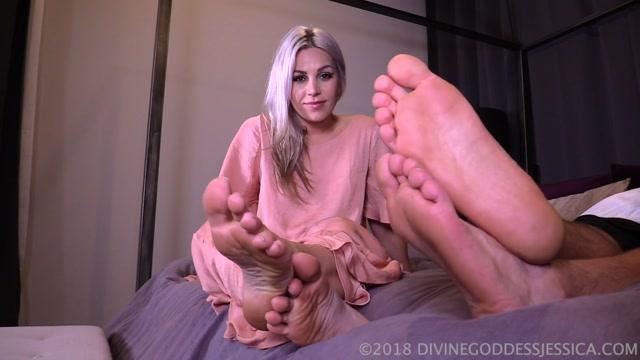 Watch Online Porn – Goddess Jessica – Foot Bitch Cuckie (MP4, FullHD, 1920×1080)