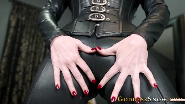 Watch Online Porn – Iwantclips presents Goddess Alexandra Snow in Produce Three Loads – $12.99 (Premium user request) (MP4, FullHD, 1920×1080)