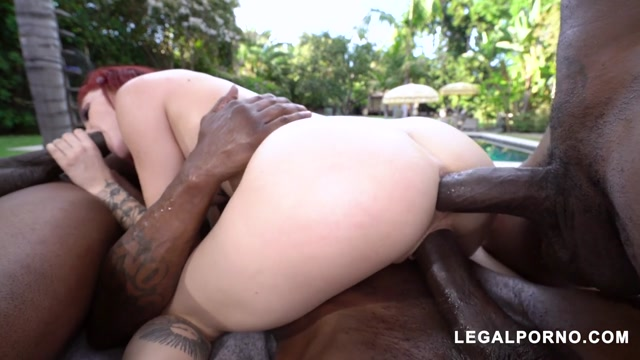 LegalPorno_presents_Lola_Faye_gets_fucked_with_3_BBC_hard_for_her_favorite_studio_AA050___22.10.2019.mp4.00013.jpg