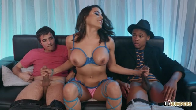Watch Online Porn – LilHumpers presents luna star (MP4, SD, 854×480)