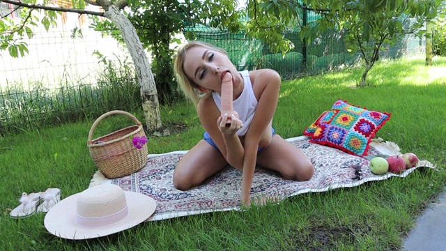 ManyVids_presents_Happy_Yulia_in_Fuck_yourself_and_riding____24.99__Premium_user_request_.mp4.00002.jpg